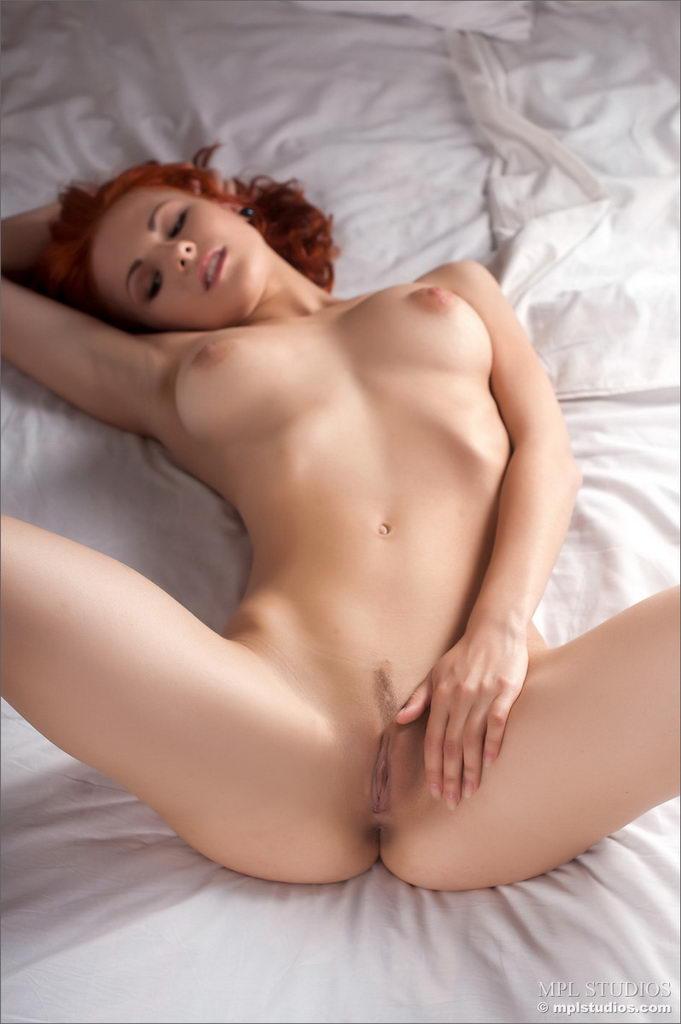 Pretty woman hot horny sex