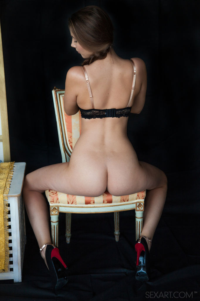 Sex Art: Connie Carter - Red Heels