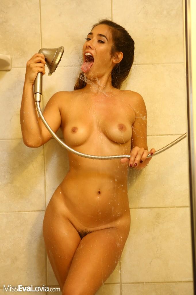 melayu-eva-lovia-sexy-shower-lawrence-eating-pussytures