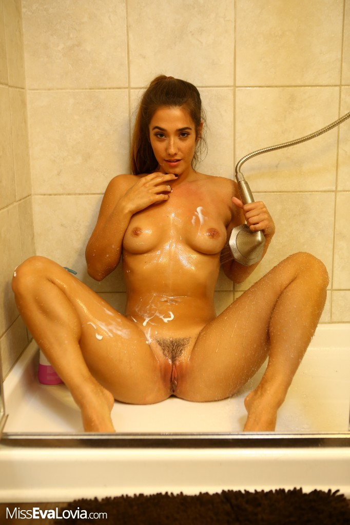 eva-lovia-sexy-shower-sexy-redhead-women-with-big-boobs-nude