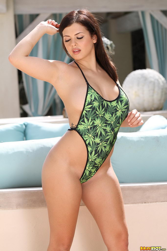 Bikini Riot: Keisha Grey Creating A Buzz Wearing Her Mary Jane Monokini
