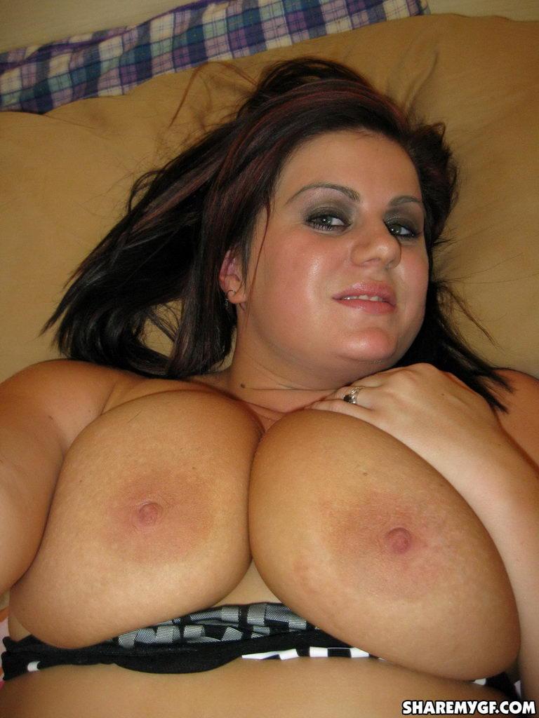 Fat bbw ex gf masturbating her wet juice shaven pussy 1