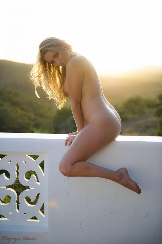 Hayley Marie Coppin - Sunset  Web Starlets-3700