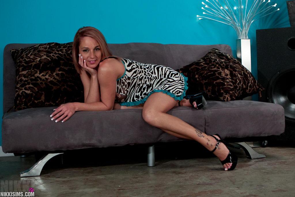 Nikki Sims - Teddy And Heels