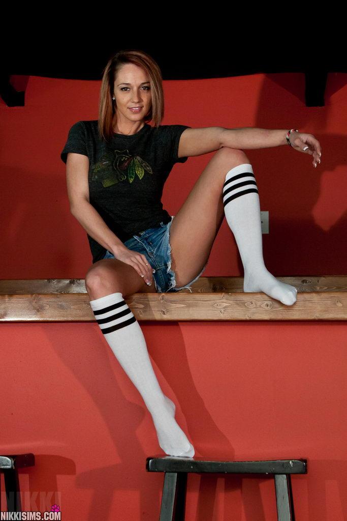 Nikki Sims - Go Hawks