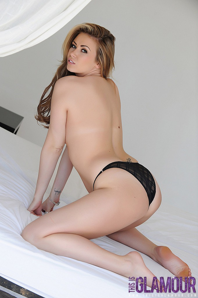 This Is Glamour: Leah Francis Strips Nude From Her Black Thong