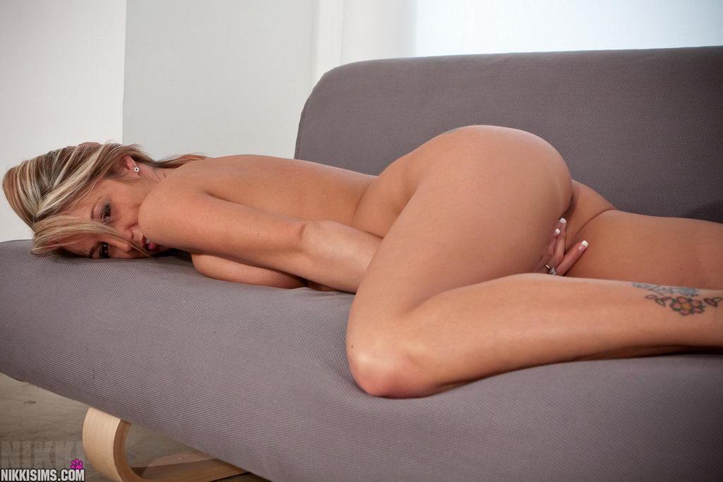 Nikki Sims - Pink Teddy