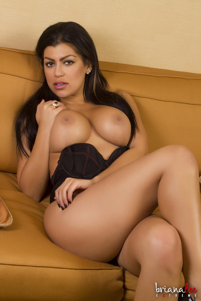 Briana Lee Extreme - Curved Glass