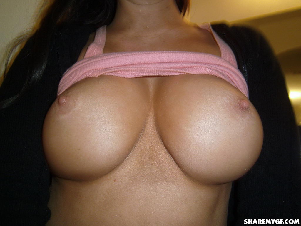 Share My Gf: Lilly - Showing My Tits