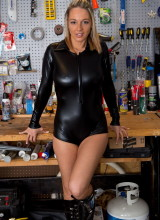 Nikki Sims 1