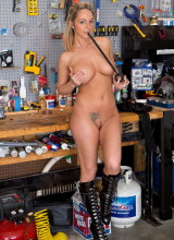 Nikki Sims - Work Bench