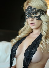Shannyn Xo - Mask Of Sensuality
