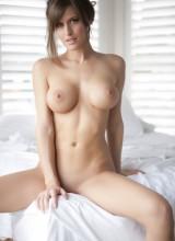 Femme Eden 15