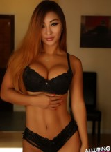 Alluring Vixens: Darling Darla - Black lace bra and panties
