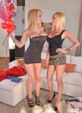 Chessie Kay, Dona Bell 1