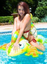 Nikki Sims 6