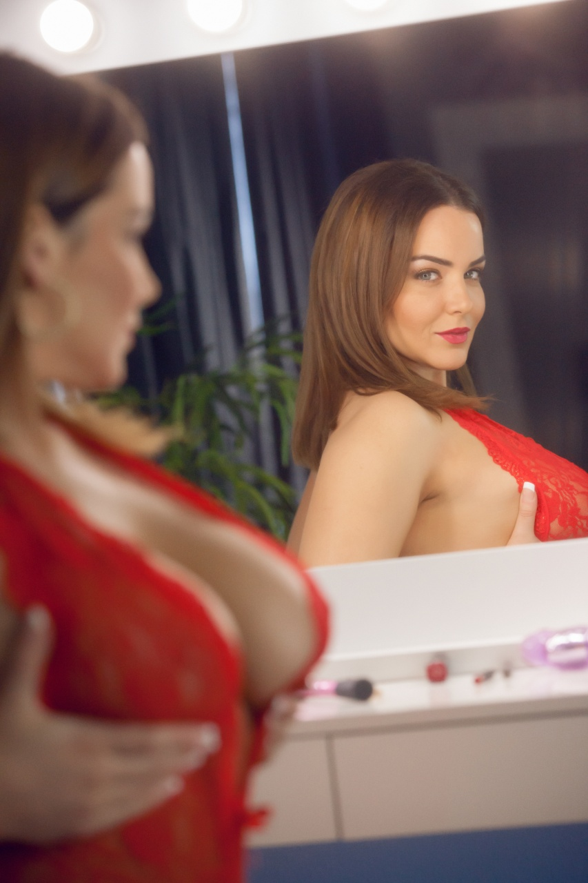 Natasha Nice - A Vain Seduction