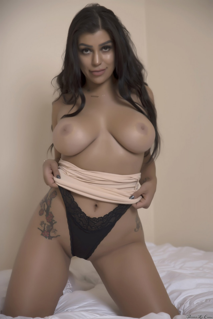 Briana Lee - Sexy On The Bed