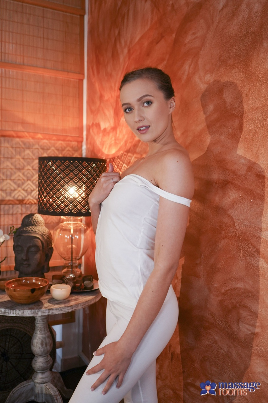 Sexy Hub: Stunners Vanessa Decker & Stacy Cruz - Amazing Natural Tits