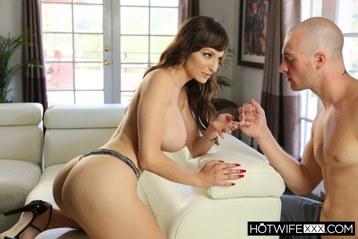 New Sensations - Lexi Luna Hot Mom in Action 4