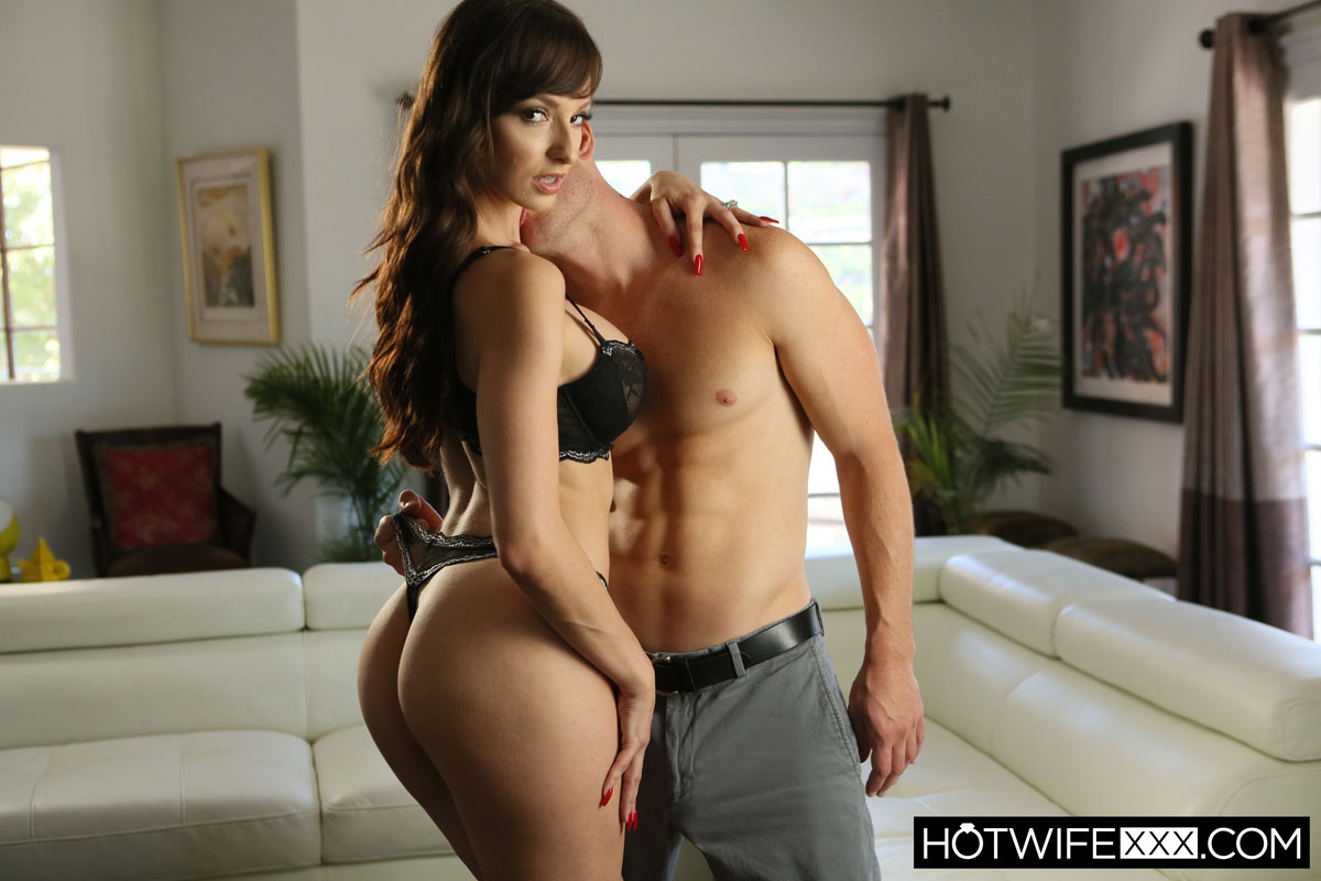 New Sensations - Lexi Luna Hot Mom in Action 1