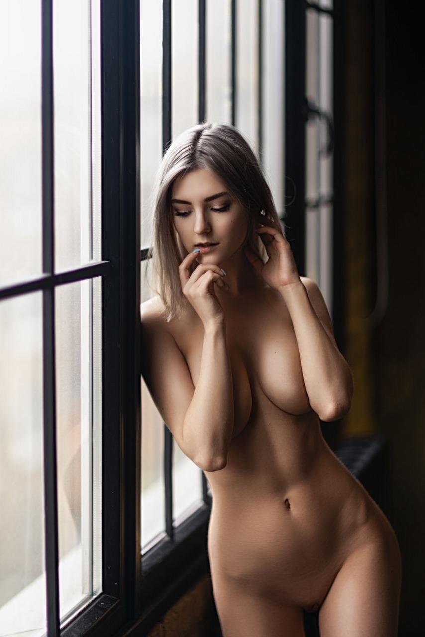 FanCentro: Eva Elfie Nude  8