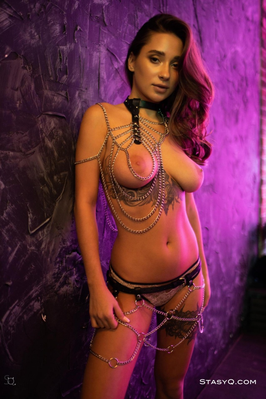 Medina Q Nude in Chains 16