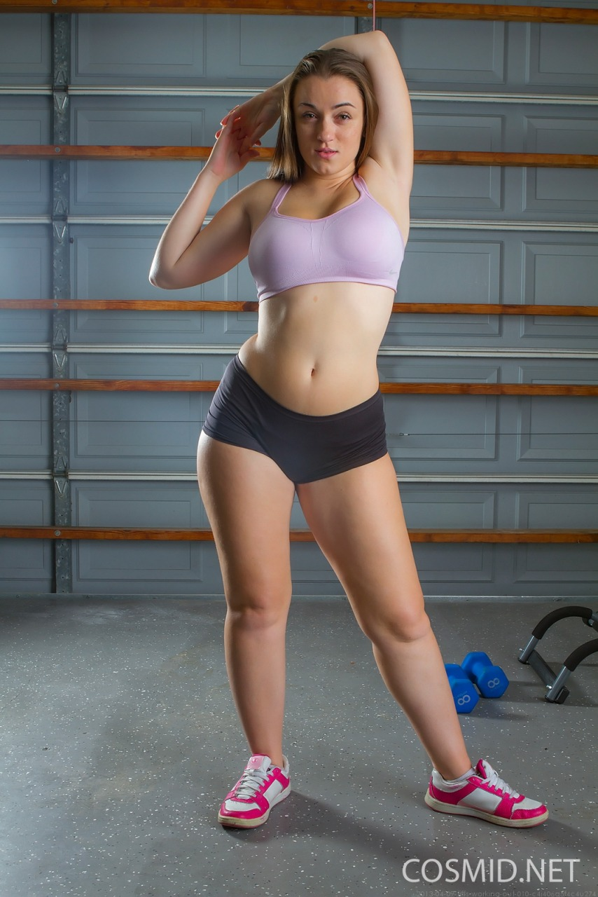 Cosmid: Tiffany Cappotelli Working Out  2