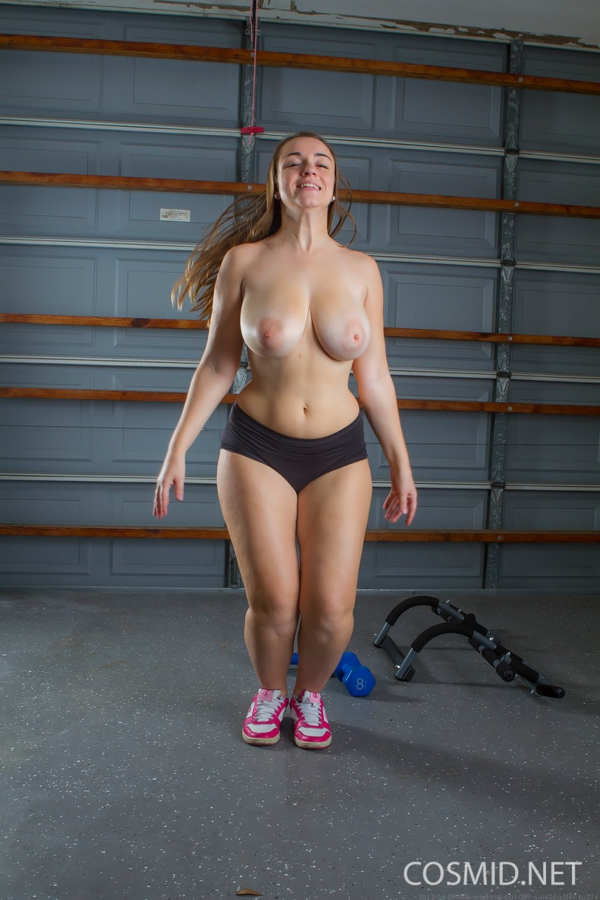 Cosmid: Tiffany Cappotelli Working Out  7