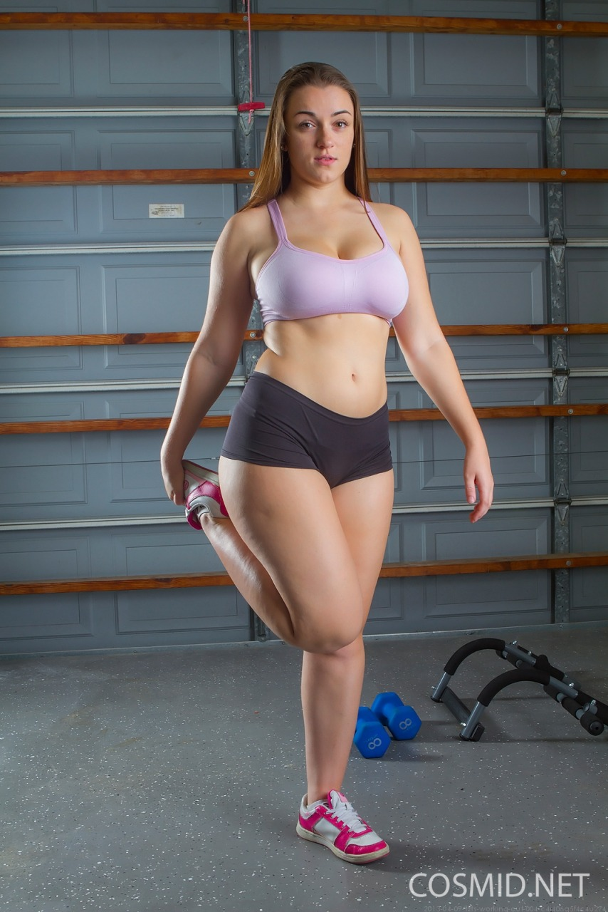 Cosmid: Tiffany Cappotelli Working Out  1