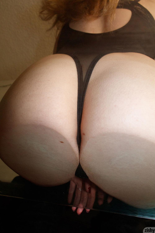 Zishy: Giana Van Patten Tits on Glass 9
