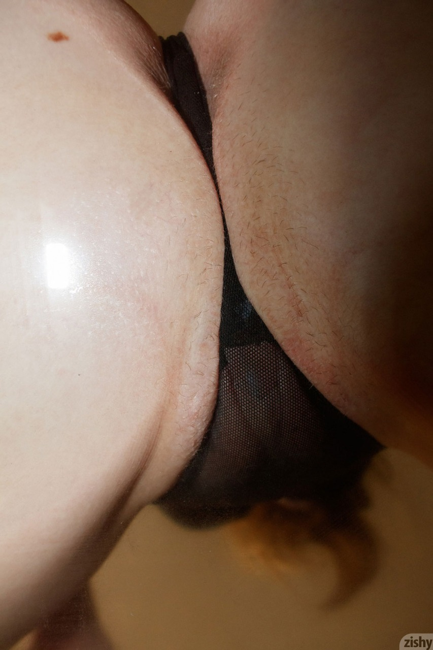 Zishy: Giana Van Patten Tits on Glass 10