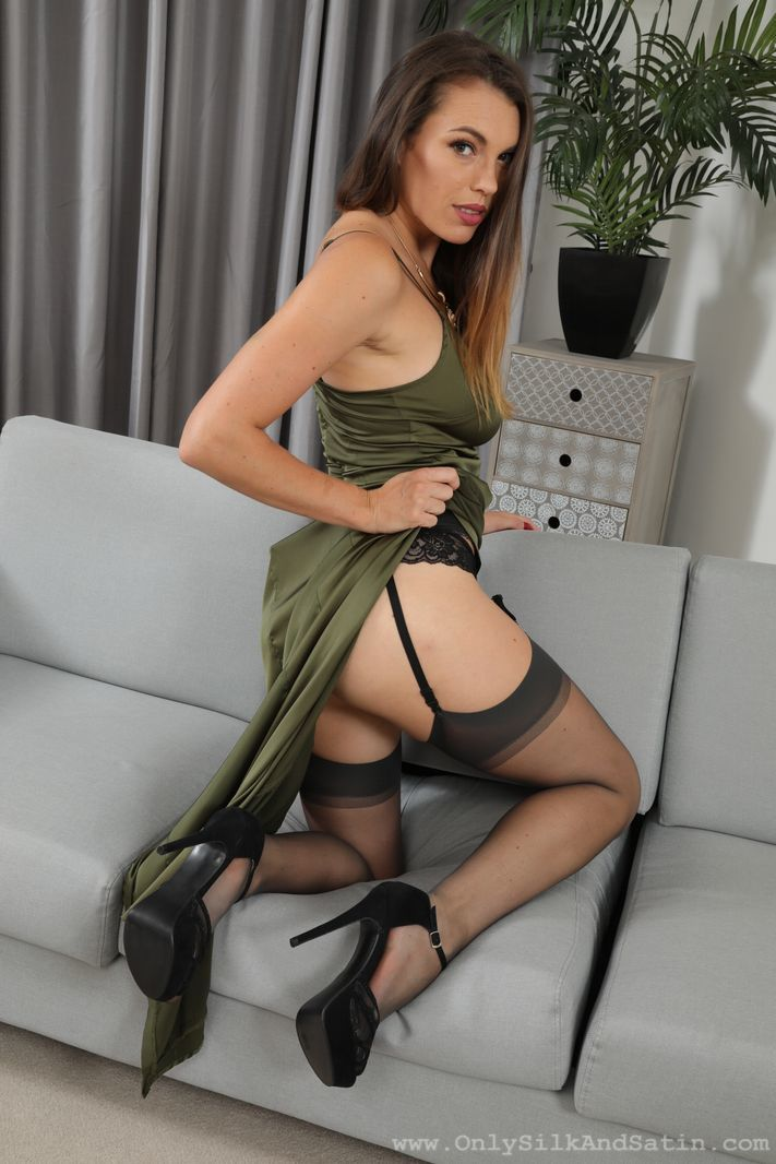 Only Silk and Satin: Dominika K - 4