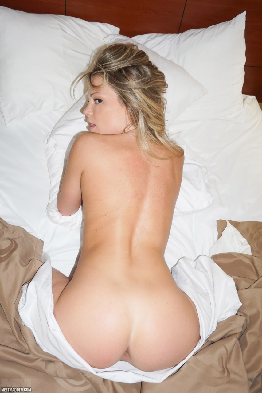 Meet Madden - Naked In Bed 9