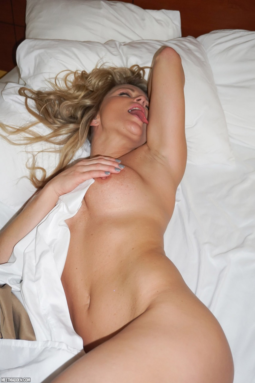 Meet Madden - Naked In Bed 10