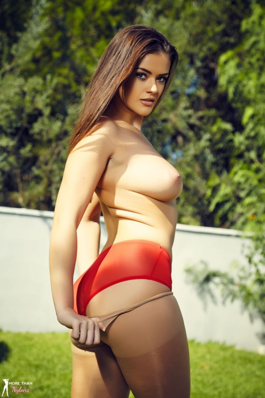 More Than Nylons: Brook Wright - Pillar Of Beauty 12