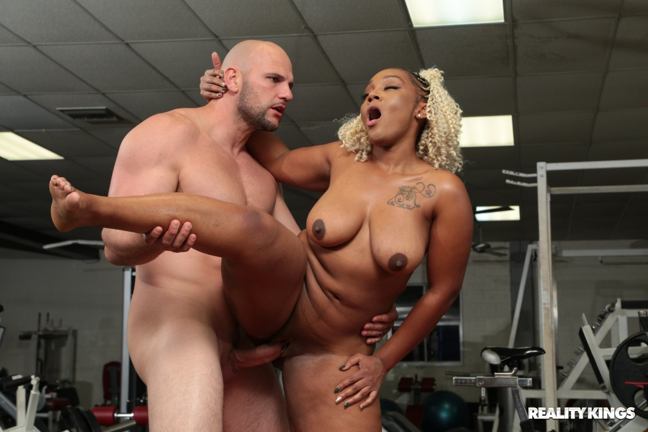 Reality Kings: Mimi Curvaceous - 11