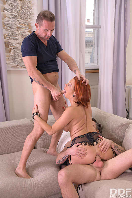 Hands on Hardcore Veronica Avluv - Busty Brunette's Thrilling Threesome 11