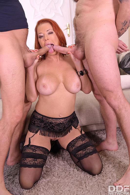 Hands on Hardcore Veronica Avluv - Busty Brunette's Thrilling Threesome 14