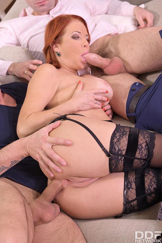 Hands on Hardcore Veronica Avluv - Busty Brunette's Thrilling Threesome 6