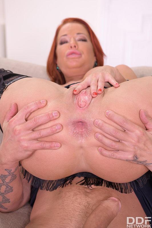 Hands on Hardcore Veronica Avluv - Busty Brunette's Thrilling Threesome 9
