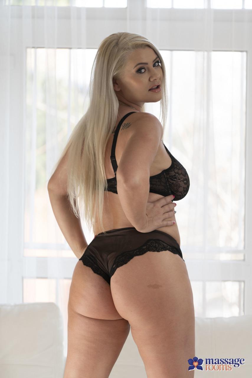 Sofia Lee - 1