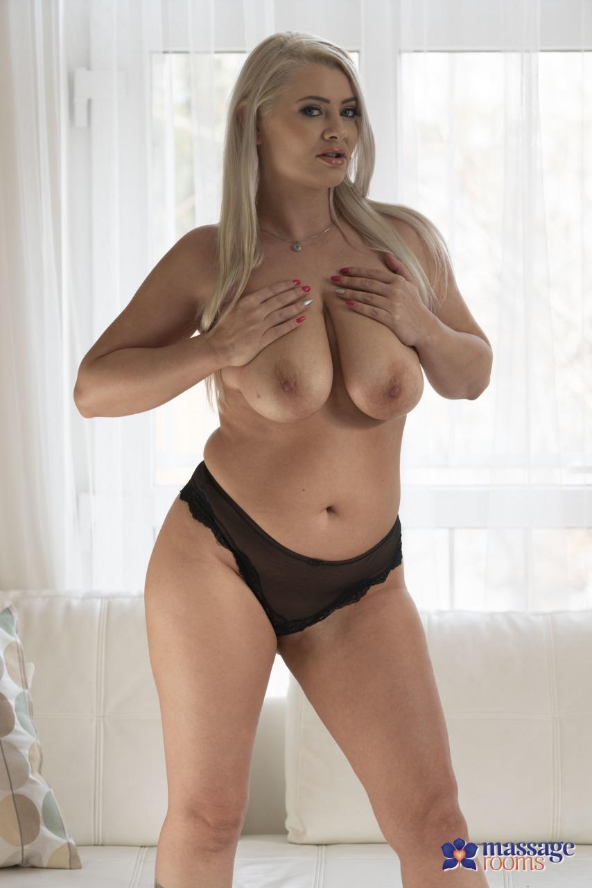 Sexy Hub: Alexa Bold