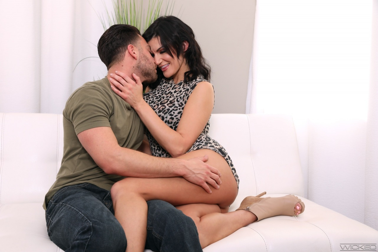 Wicked: Becky Bandini - Axel Braun's Busty Hotwives 2 6