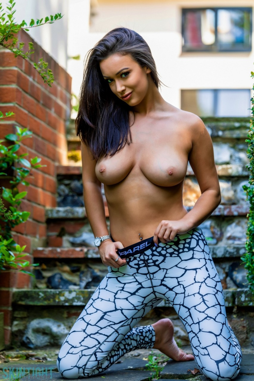 Skin Tight Glamour: Lauren Louise - Cracked 7
