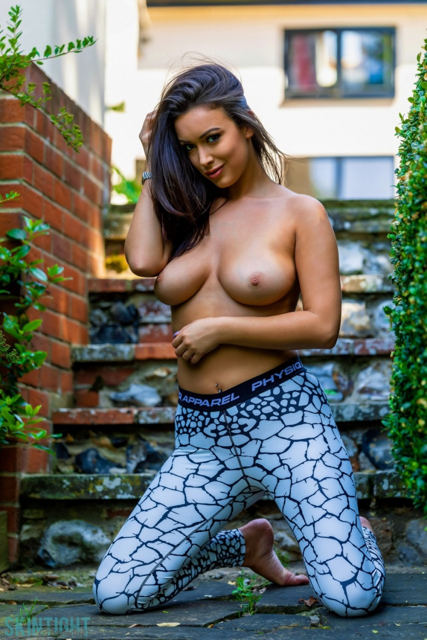 Skin Tight Glamour: Lauren Louise - Cracked 8