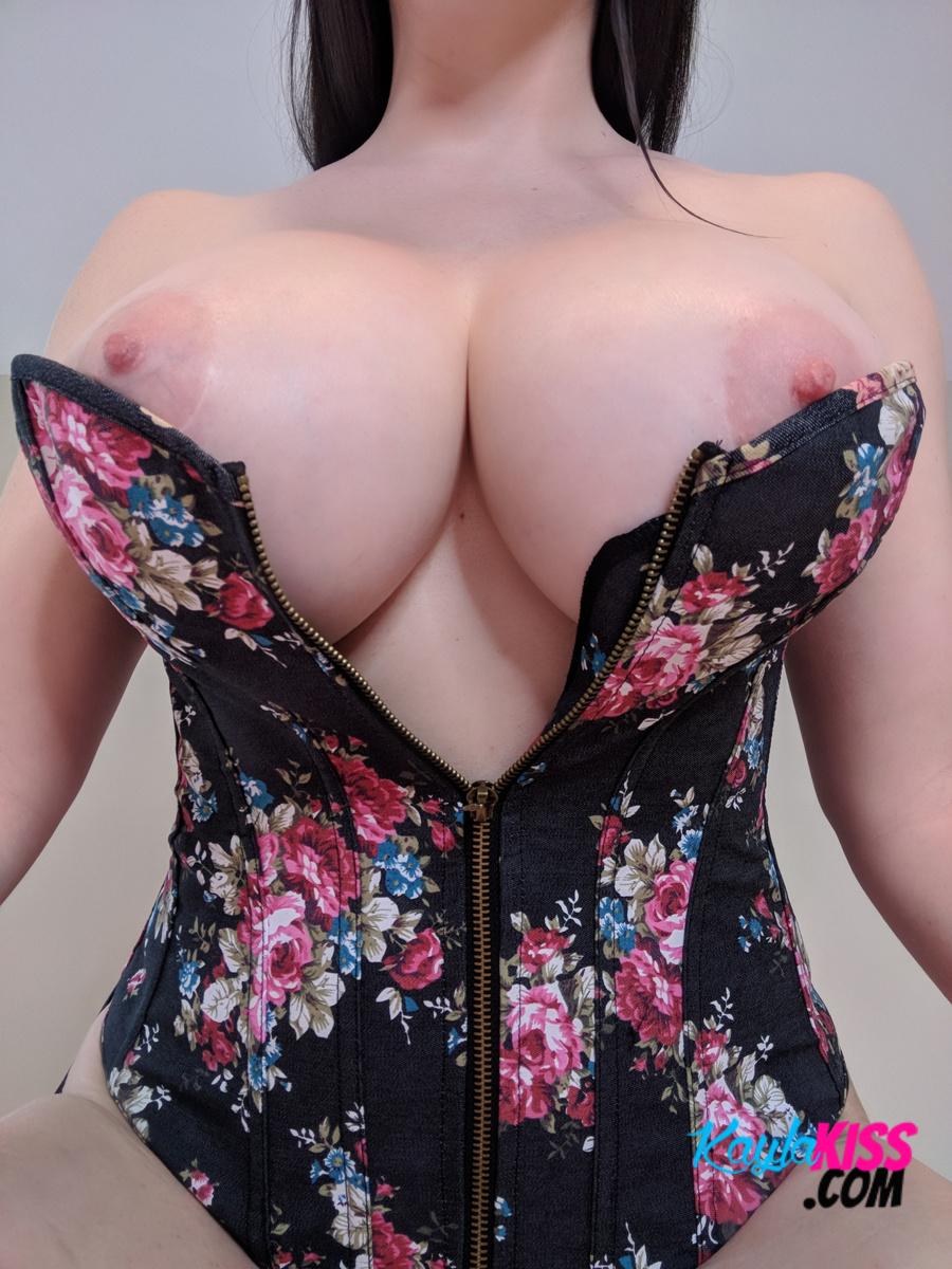 Kayla Kiss - Sexy Flower Corset 12