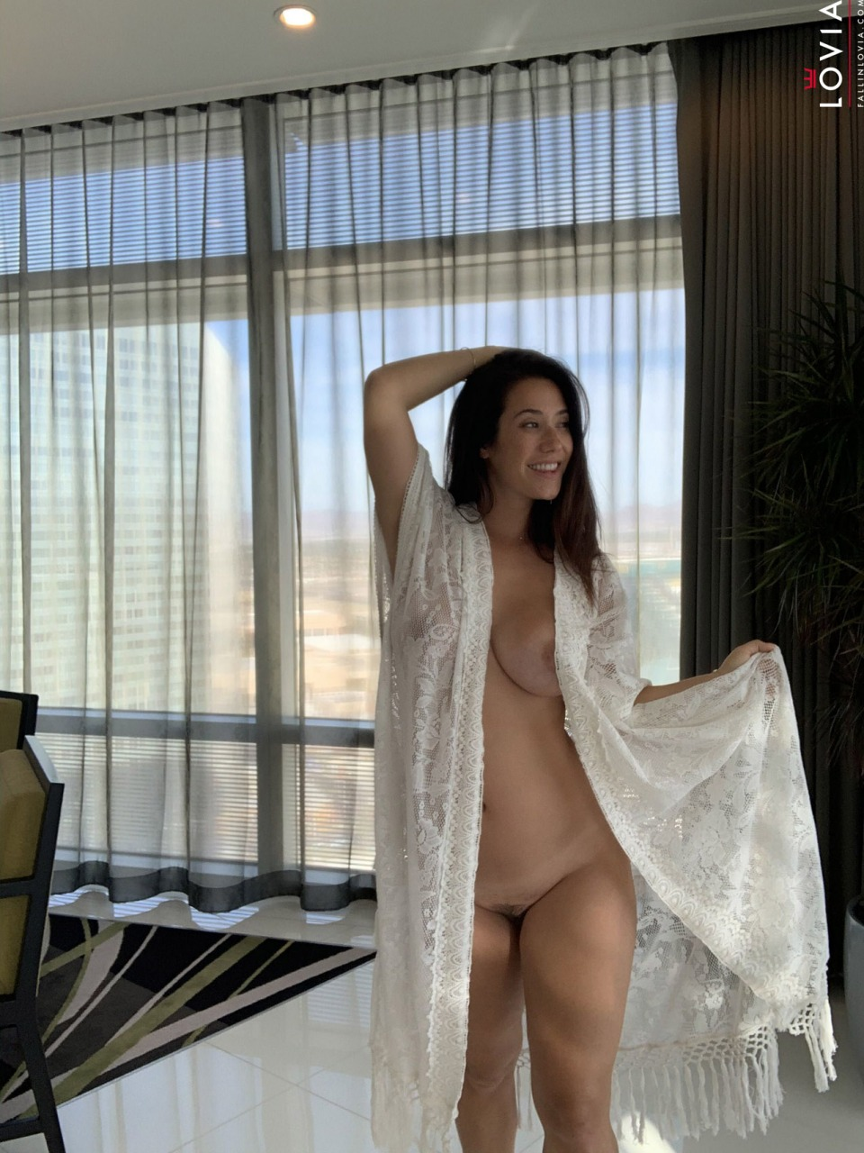 Eva Lovia - Waking Up In Vegas 9