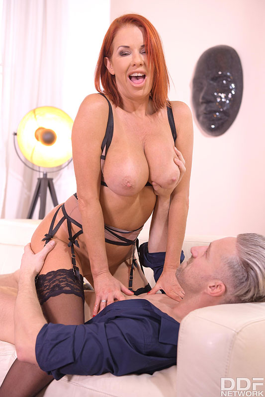 DDF Busty: Veronica Avluv - Busty Milf on Anal Assignment 14