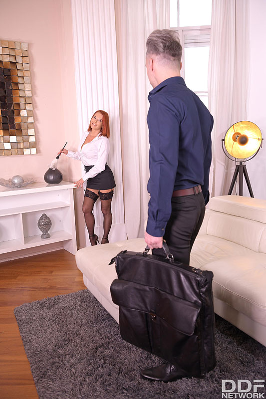 DDF Busty: Veronica Avluv - Busty Milf on Anal Assignment 4